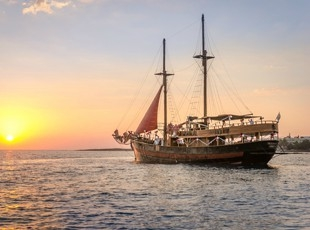 Jolly Roger - Paphos - Exclusive Yacht Weddings