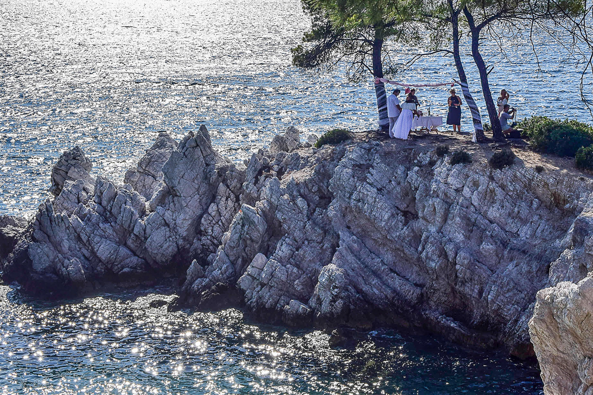 Book your wedding day in Three Trees Amarantos Rock Skopelos