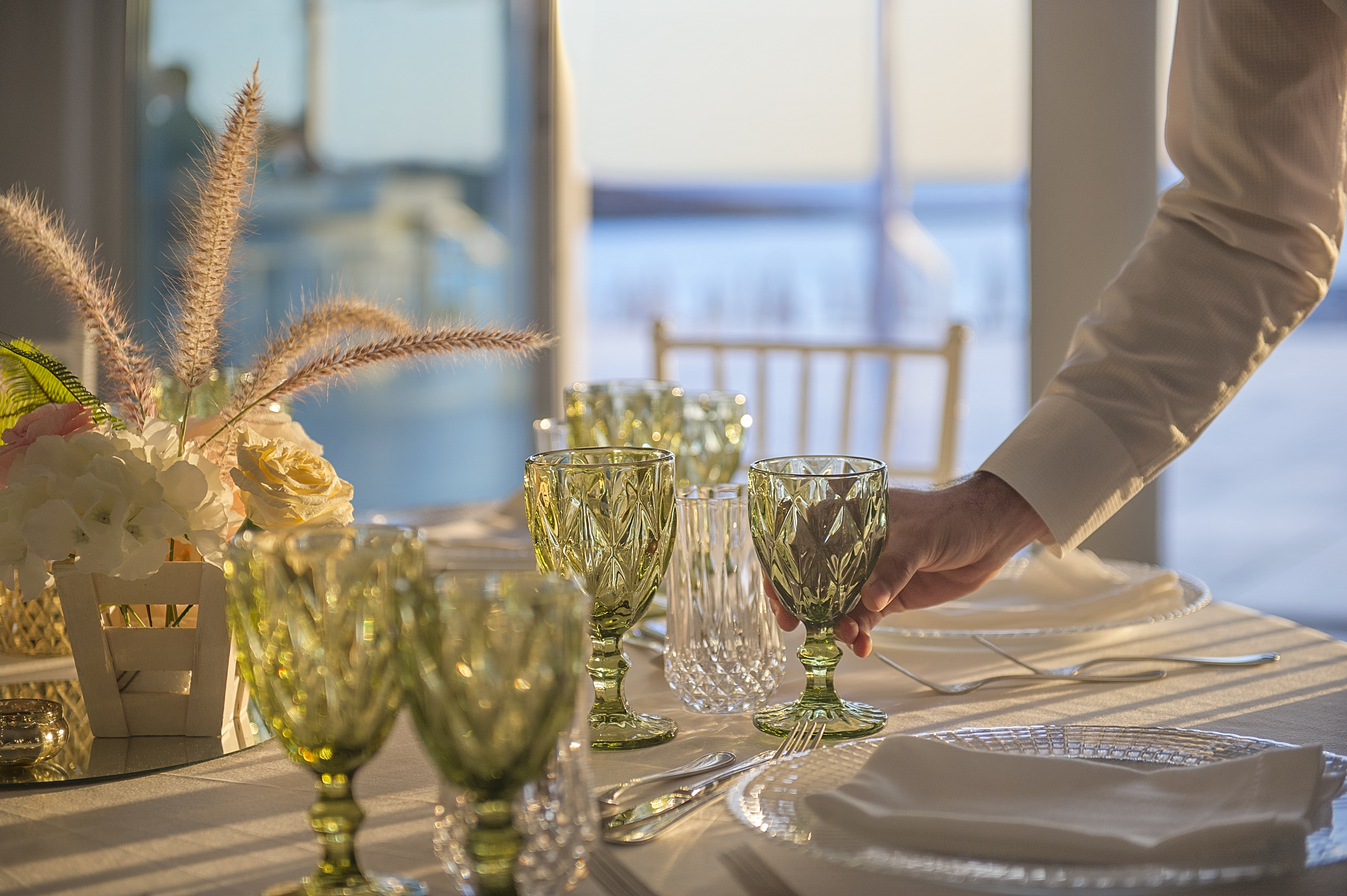 01 Taverna Weddings Detail.jpg