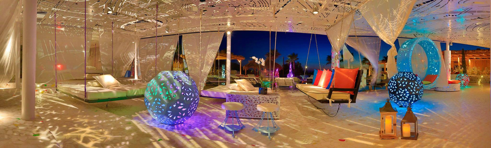 Book your wedding day in Free Beach Bar & Restaurant Ios