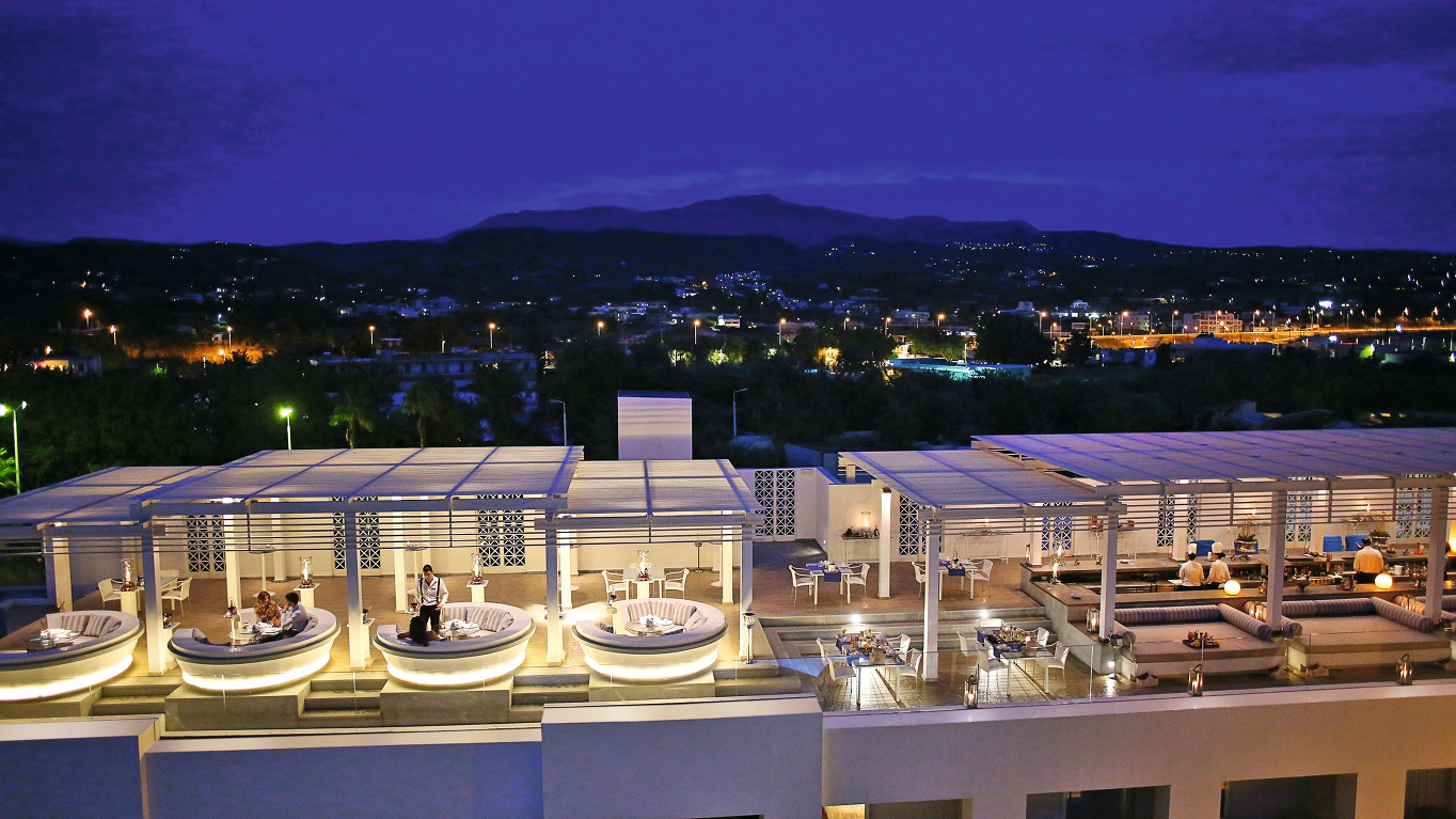 47-Zeus-and-Amalthia-Chic-rooftop-bar-and-restaurant_72dpi.jpg