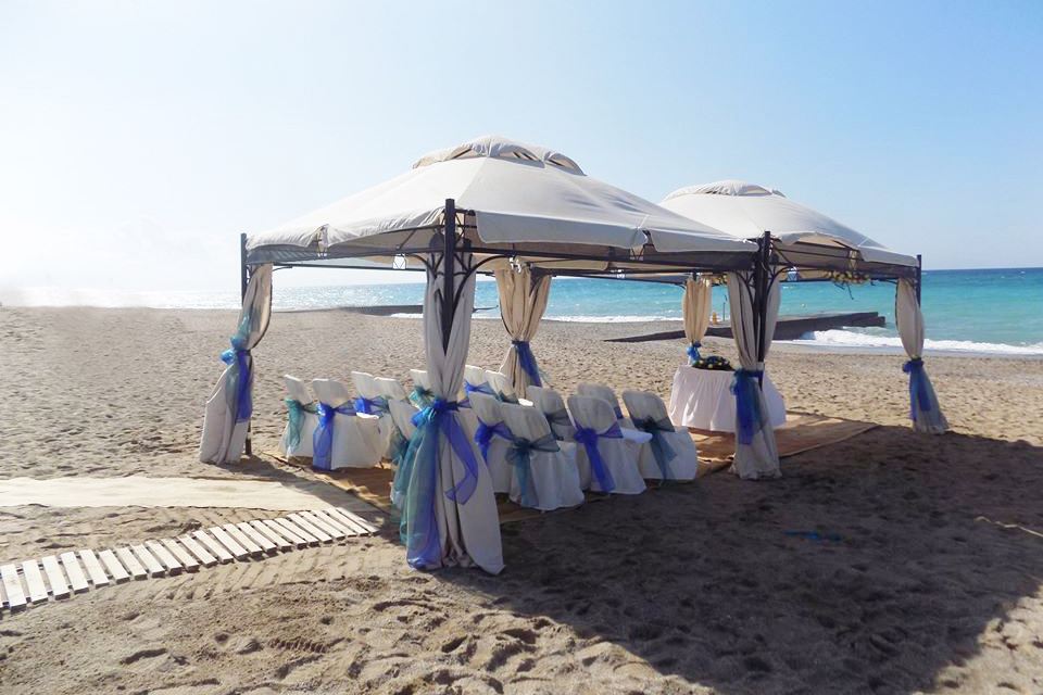 Book your wedding day in Aquila Rithymna Beach Crete