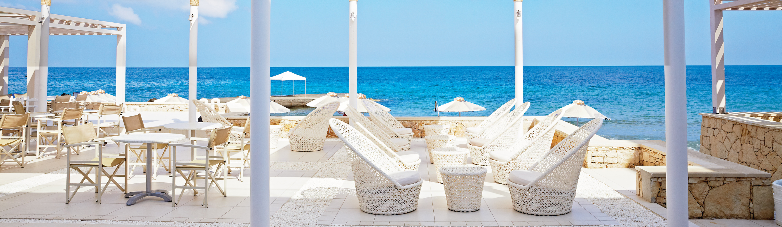 73-Simple-Furnishings-Enhance-the-Feel-of-Sea-and-Sky-at-Beach-Club-YalosS.jpg