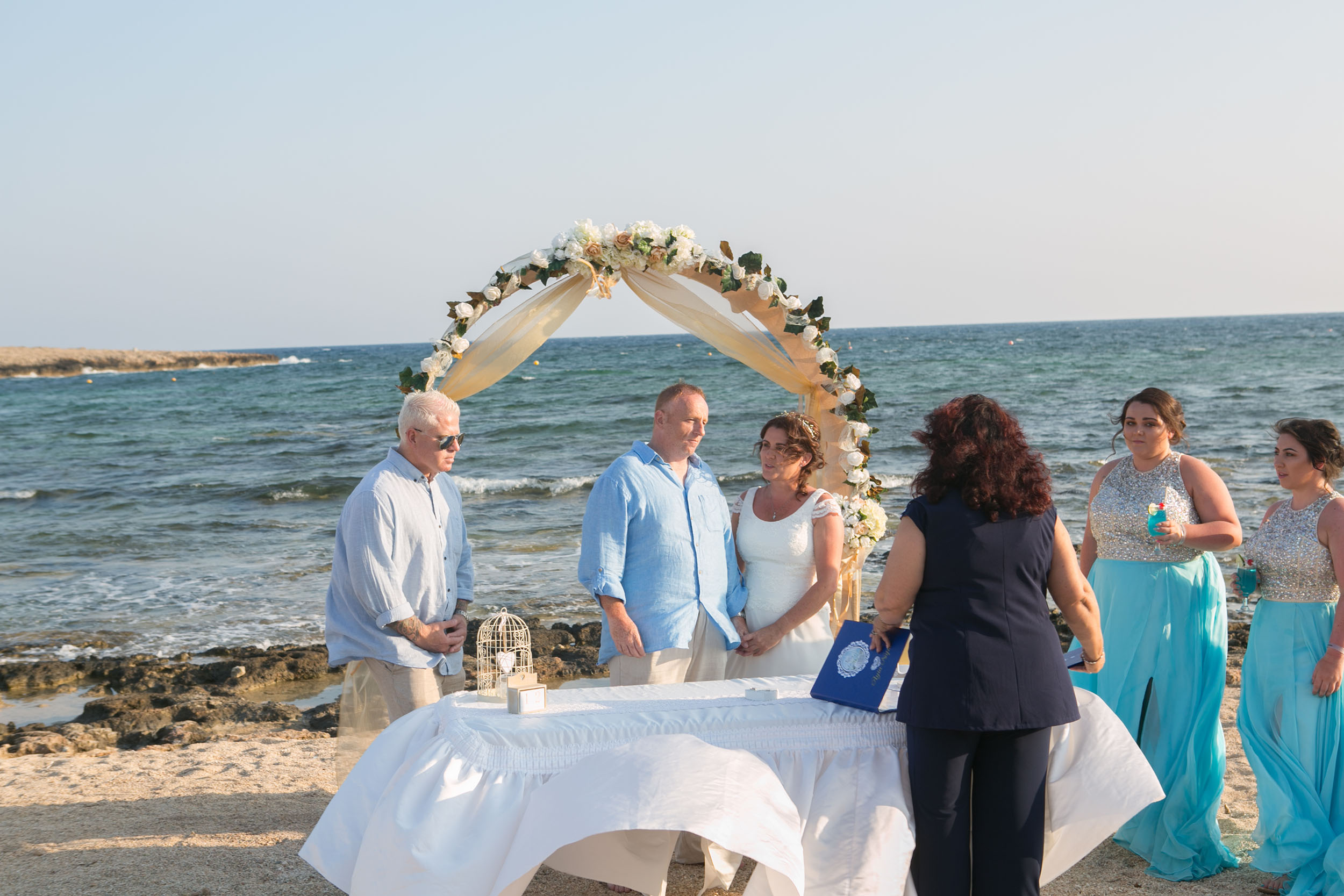 Book your wedding day in Votsalo Beach Venue (Ziatzi)