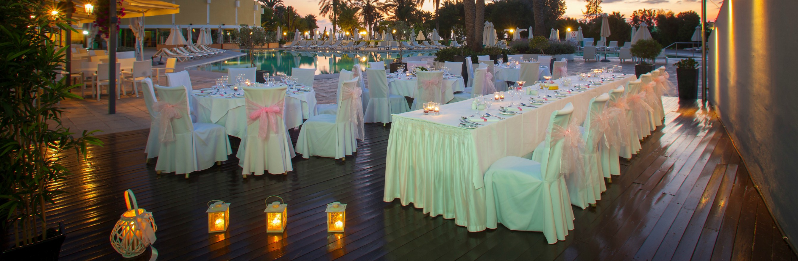 Louis_Imperial_Beach_-_Private_pool_area_dinner_10.jpg