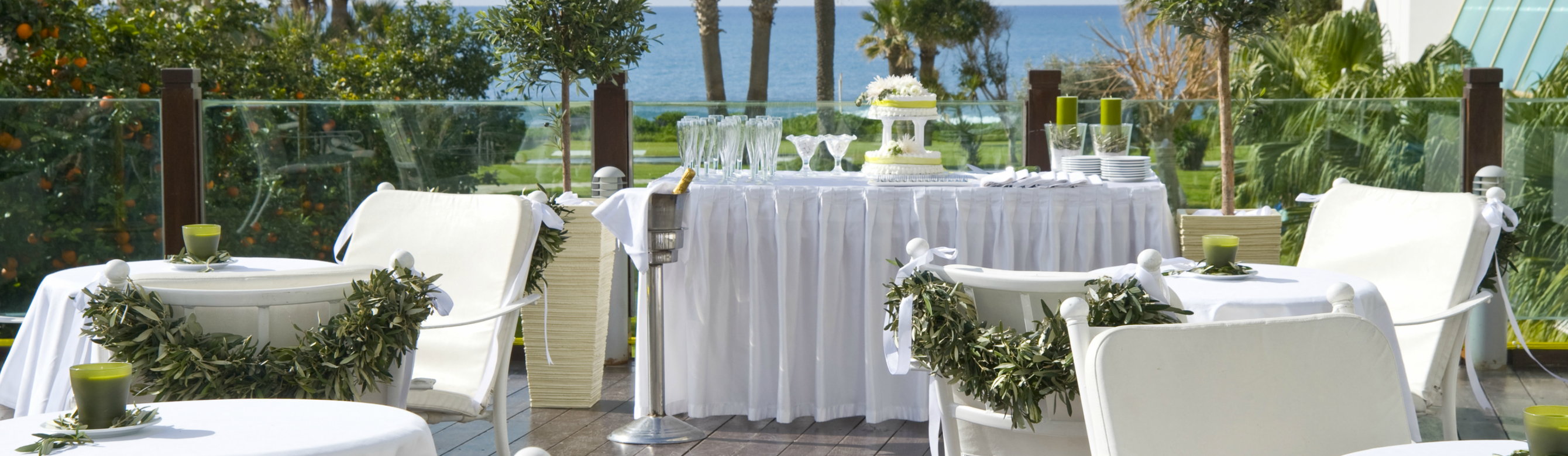 Louis_Imperial_Beach_-_Veranda_2.png