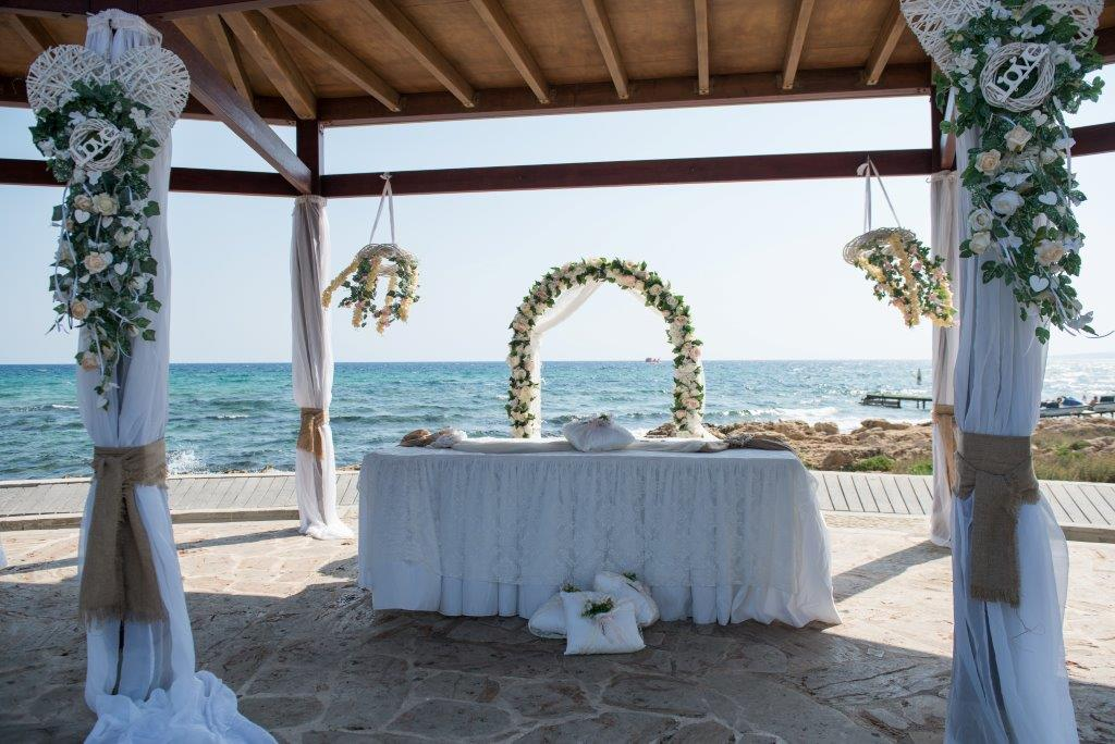 Book your wedding day in Poseidon Venue