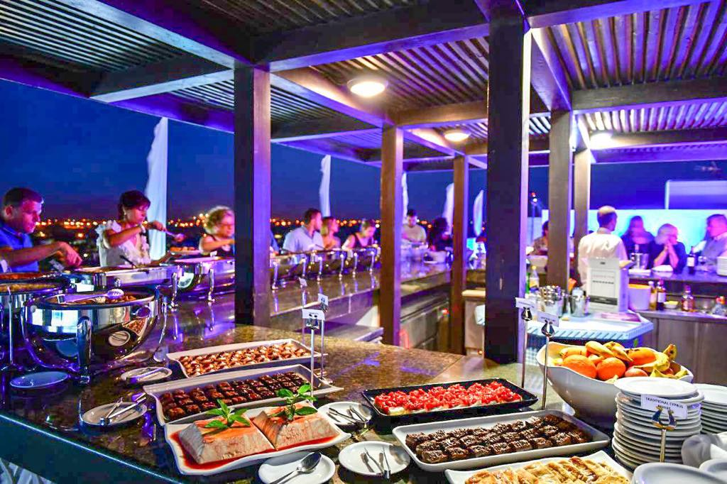 SKY LOUNGE _ BUFFET1.jpg