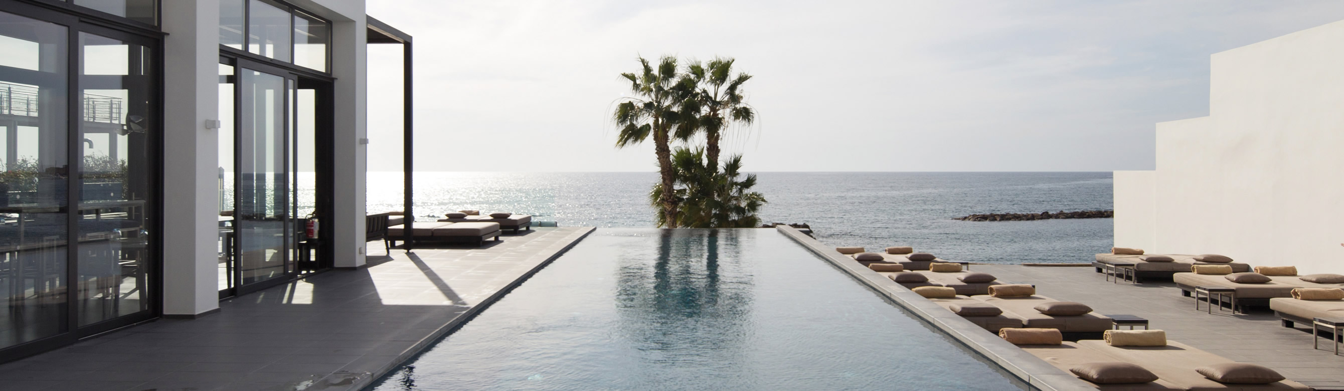 almyraspa_outdoor_pool_sea_view.jpg