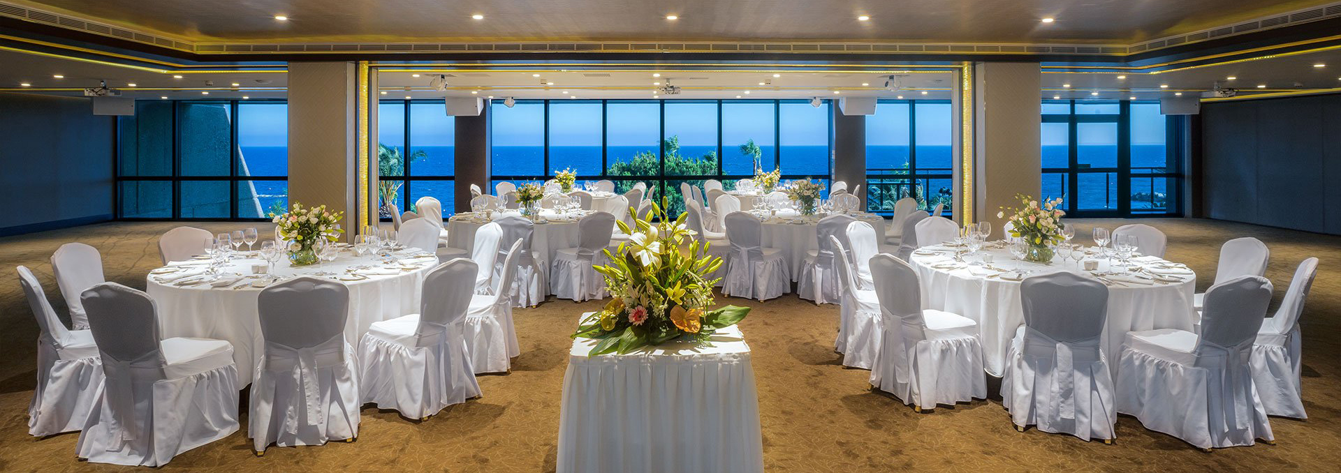 Book your wedding day in Amathus Beach Hotel Limassol